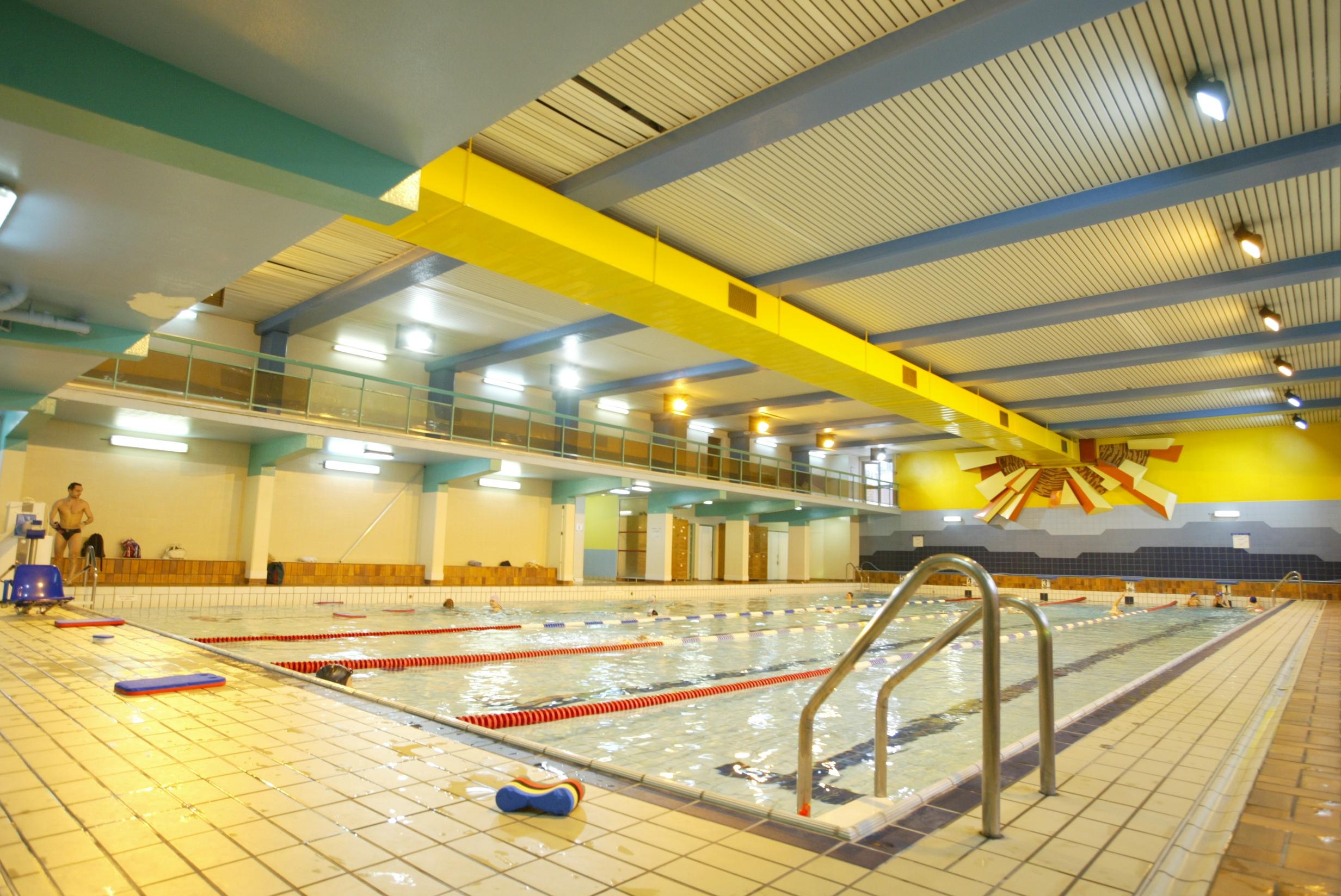 Une piscine parisienne chauff e gr ce l eau des gouts - Piscine aspirant dunand horaires ...